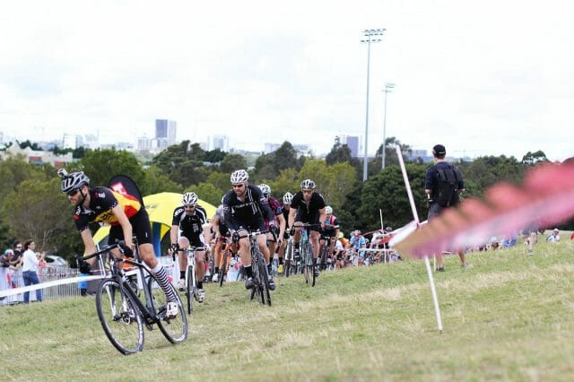 With the race held only ten minutes' ride from the centre of Sydney, a good turnout was guaranteed.