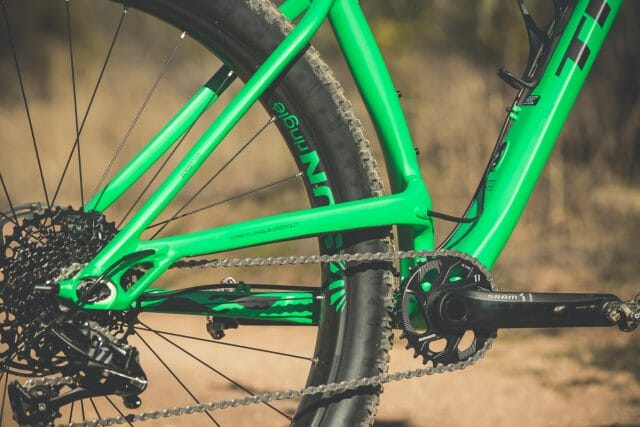 The key to the Stache's short rear end is in the elevated stays.
