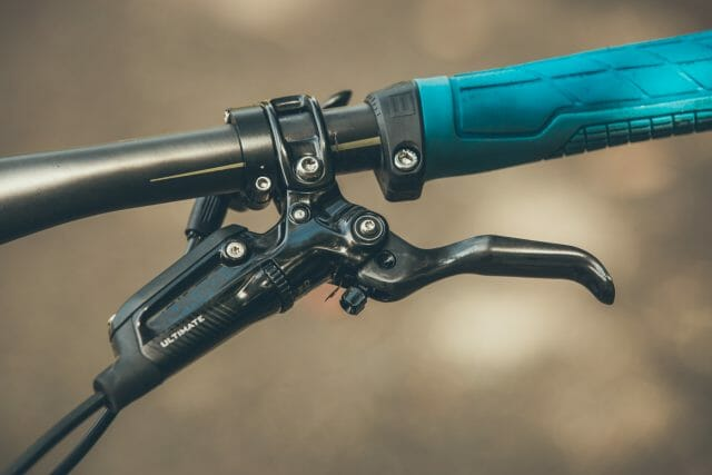SRAM Guide Ultimate levers, the latest version with the little clip that golds the reach adjuster from creeping in and out.