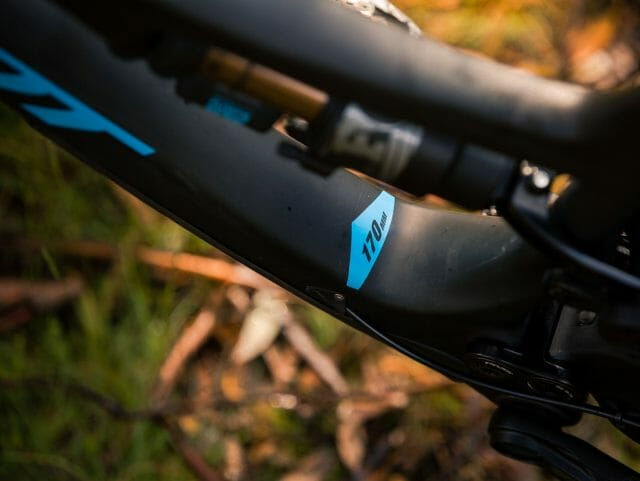 170mm of DW link suspension delivers an insanely confident ride.