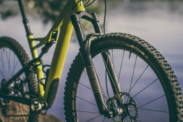 You won't be using the ShockWiz with the Öhlins Forks.