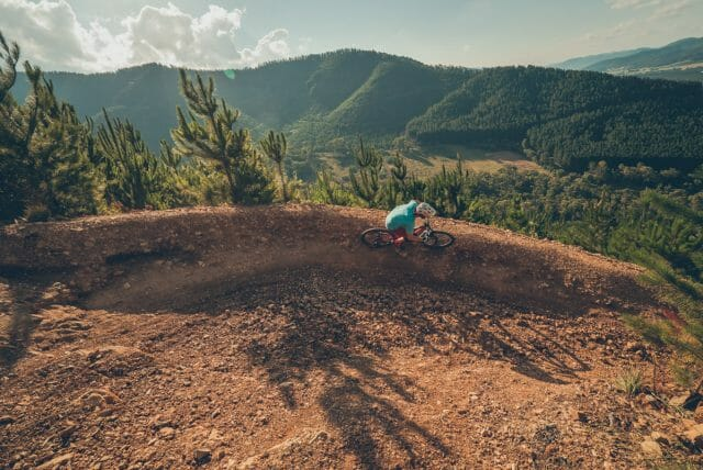 Hello Bright! This town is home to one of Australia's most progressive new trails, the aptly named Hero Trail. It's a monster, and you've got to come check it out.