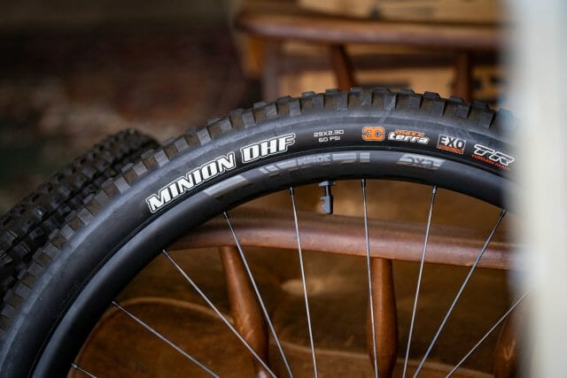 dt swiss exc 1200 carbon 30mm 29er mountain bike wheels maxxis minion dhf