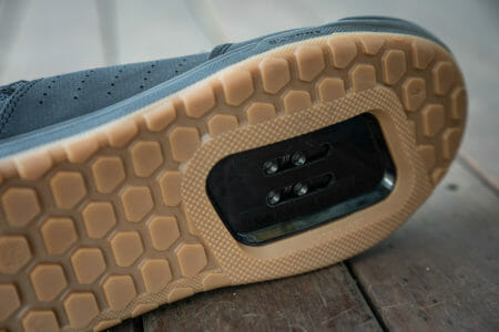 specialized 2FO roost clipless shoes