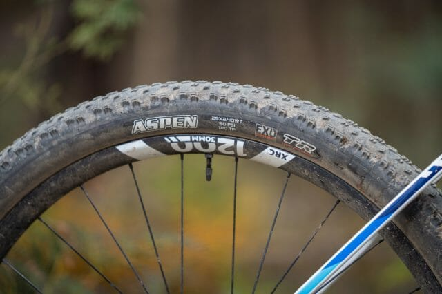 canyon exceed maxxis aspen 2.4 wt