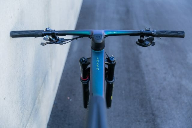 One piece handlebar and stem on the all-new scott spark